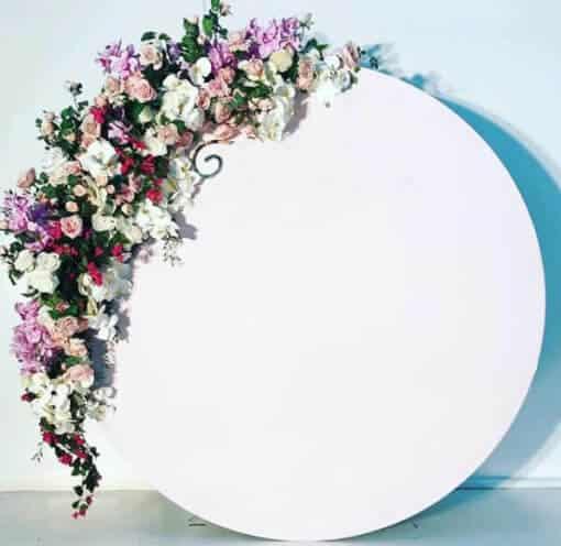 circular-white-acrylic-circle-wedding-board-backdrop