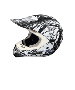 black_white_and_grey_helmet-1